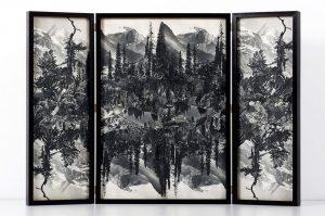 Collage #87,2015.(Frente).Retablo, collage,papel, hilo, bisagras. 60 x 89 cm  (abierto).