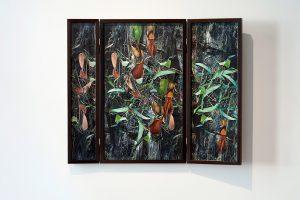 Collage #78, 2014. (Frente). Retablo, collage, papel, hilo, bisagras. 64 x 77 cm (abierto).