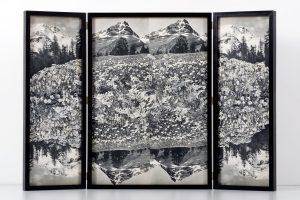 Collage #88,2015.(Frente).Retablo, collage,papel, hilo, bisagras. 60 x 89 cm (abierto).