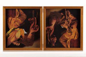Collage #84, 2014. (Frente). Díptico, collage, papel, hilo, bisagras. 29,5 x 53 cm (abierto).
